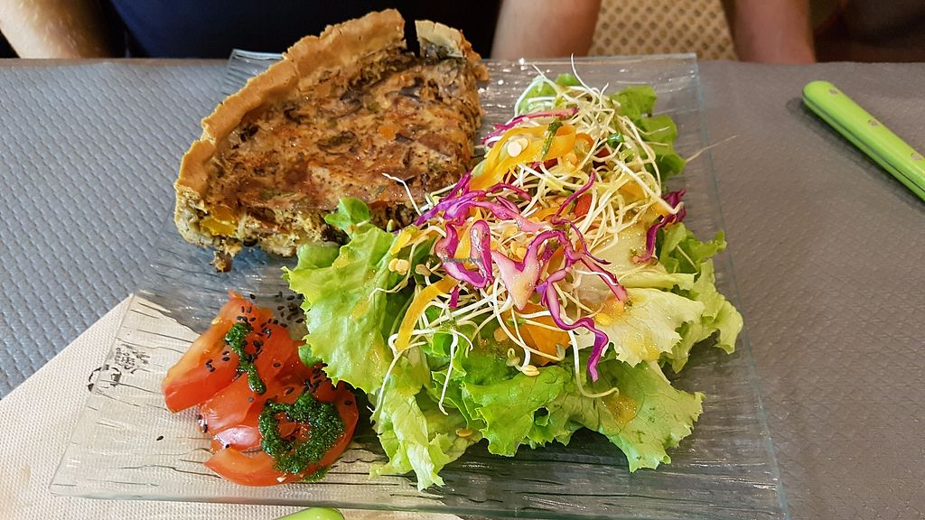 """Photo of Douceurs Vegetales  by <a href=""""/members/profile/JonJon"""">JonJon</a> <br/>Smoked tofu quiche <br/> September 29, 2017  - <a href='/contact/abuse/image/101686/309640'>Report</a>"""