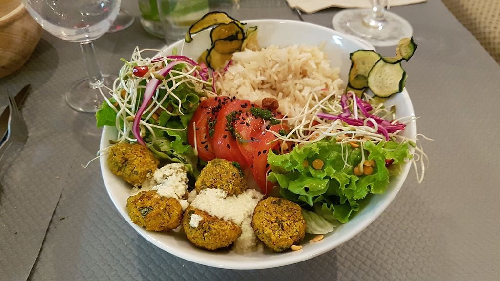 """Photo of Douceurs Vegetales  by <a href=""""/members/profile/JonJon"""">JonJon</a> <br/>Bowl with rice, salad, zucchini chips and hot croquettes <br/> September 29, 2017  - <a href='/contact/abuse/image/101686/309645'>Report</a>"""