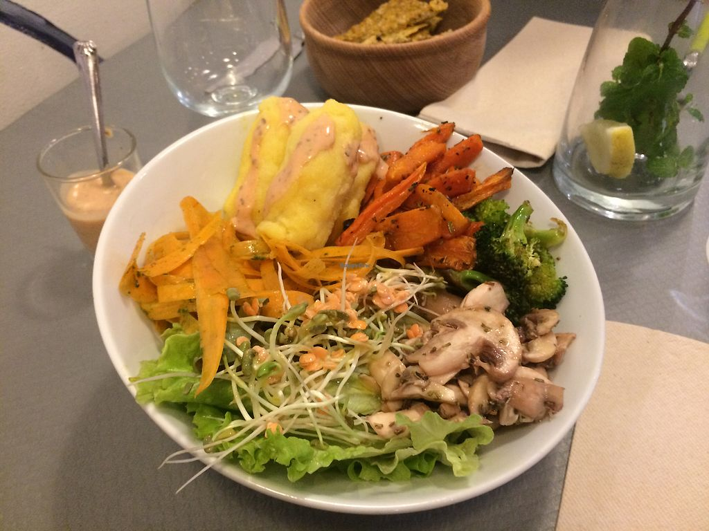 """Photo of Douceurs Vegetales  by <a href=""""/members/profile/MamieLoup"""">MamieLoup</a> <br/>Bowl rustique  <br/> November 16, 2017  - <a href='/contact/abuse/image/101686/326170'>Report</a>"""