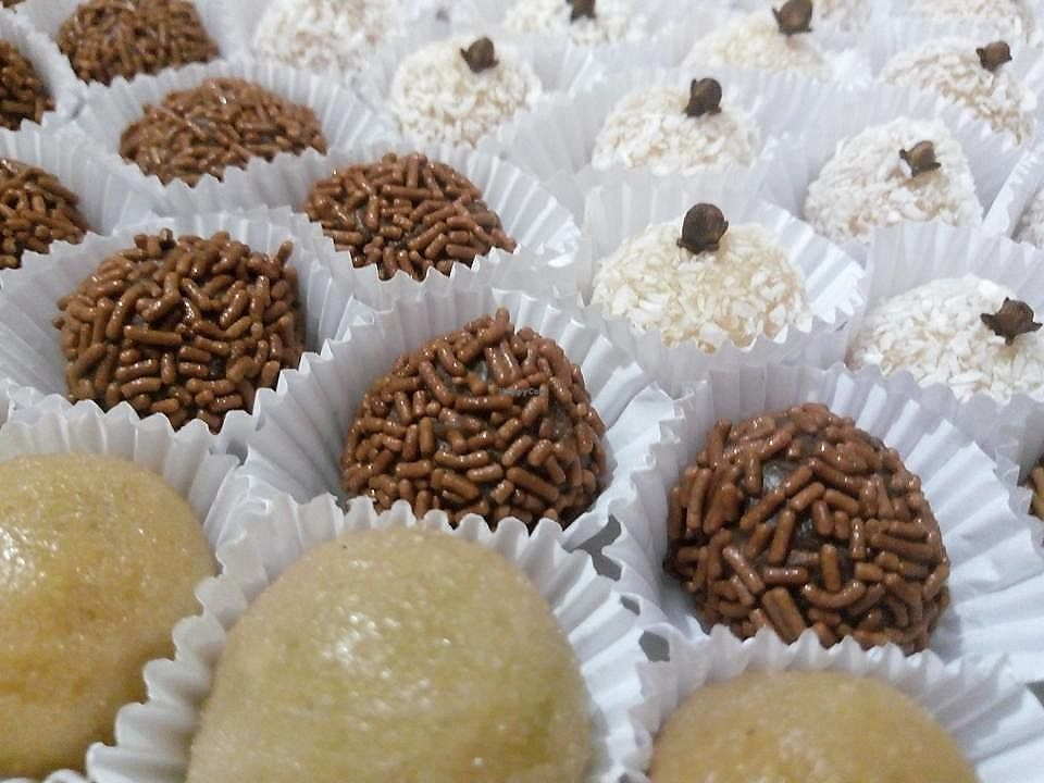 """Photo of Veg Show  by <a href=""""/members/profile/itsumiyo"""">itsumiyo</a> <br/>Brazilian birthday sweeties (brigadeiro e beijinho) <br/> September 25, 2017  - <a href='/contact/abuse/image/101705/308365'>Report</a>"""