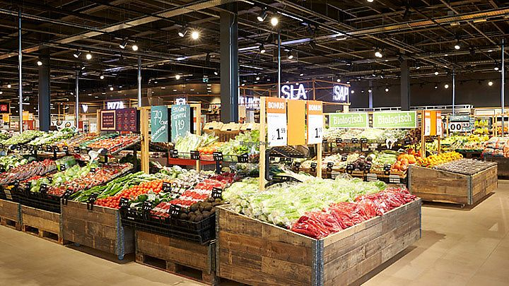"Photo of Albert Heijn  by <a href=""/members/profile/VeganCrush"">VeganCrush</a> <br/>Vegetables and Fruit Section <br/> September 27, 2017  - <a href='/contact/abuse/image/101743/308987'>Report</a>"