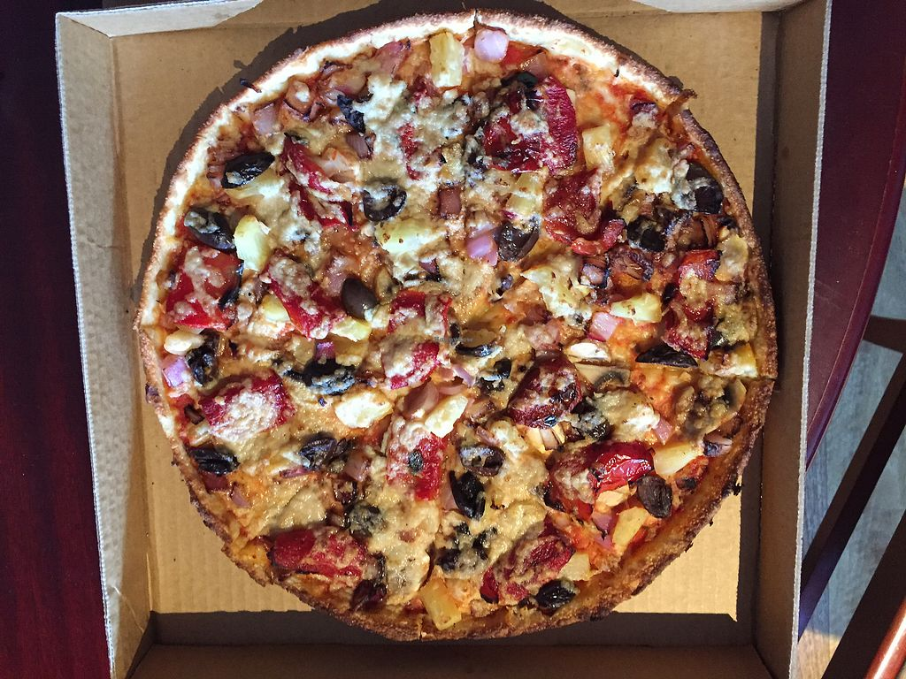"""Photo of Pizza Max  by <a href=""""/members/profile/Wuji_Luiji"""">Wuji_Luiji</a> <br/>Classic vegetarian with vegan cheese <br/> January 24, 2018  - <a href='/contact/abuse/image/101821/350395'>Report</a>"""