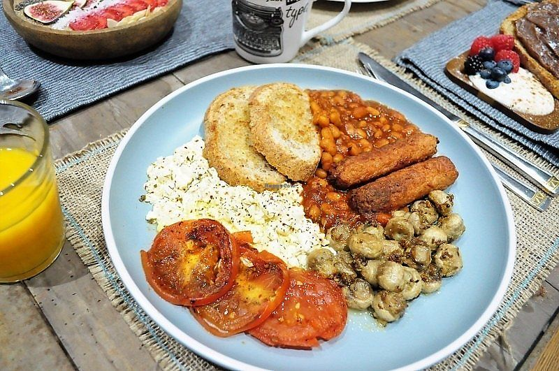 """Photo of Mr Singh's Brunch Club  by <a href=""""/members/profile/Kookie"""">Kookie</a> <br/>Big Breakfast  Slow cooked scrambled """"eggs"""", baked beans, garlic and herb mushrooms, caramelised tomatoes seasoned with herbs, juicy Lincolnshire sausages and toasted bread <br/> September 30, 2017  - <a href='/contact/abuse/image/101852/310168'>Report</a>"""