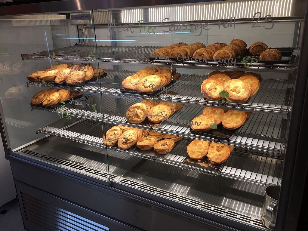 "Photo of Tart Bakery - St Kevins Arcade  by <a href=""/members/profile/Carmentx"">Carmentx</a> <br/>Pies in a warm display case.  <br/> November 3, 2017  - <a href='/contact/abuse/image/101975/321315'>Report</a>"
