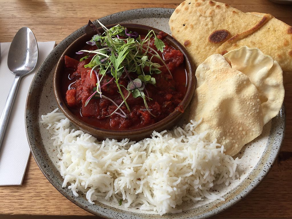 "Photo of Tootsie Roller  by <a href=""/members/profile/Wuji_Luiji"">Wuji_Luiji</a> <br/>Vegan beetroot curry (with added naan) <br/> February 15, 2018  - <a href='/contact/abuse/image/102060/359609'>Report</a>"
