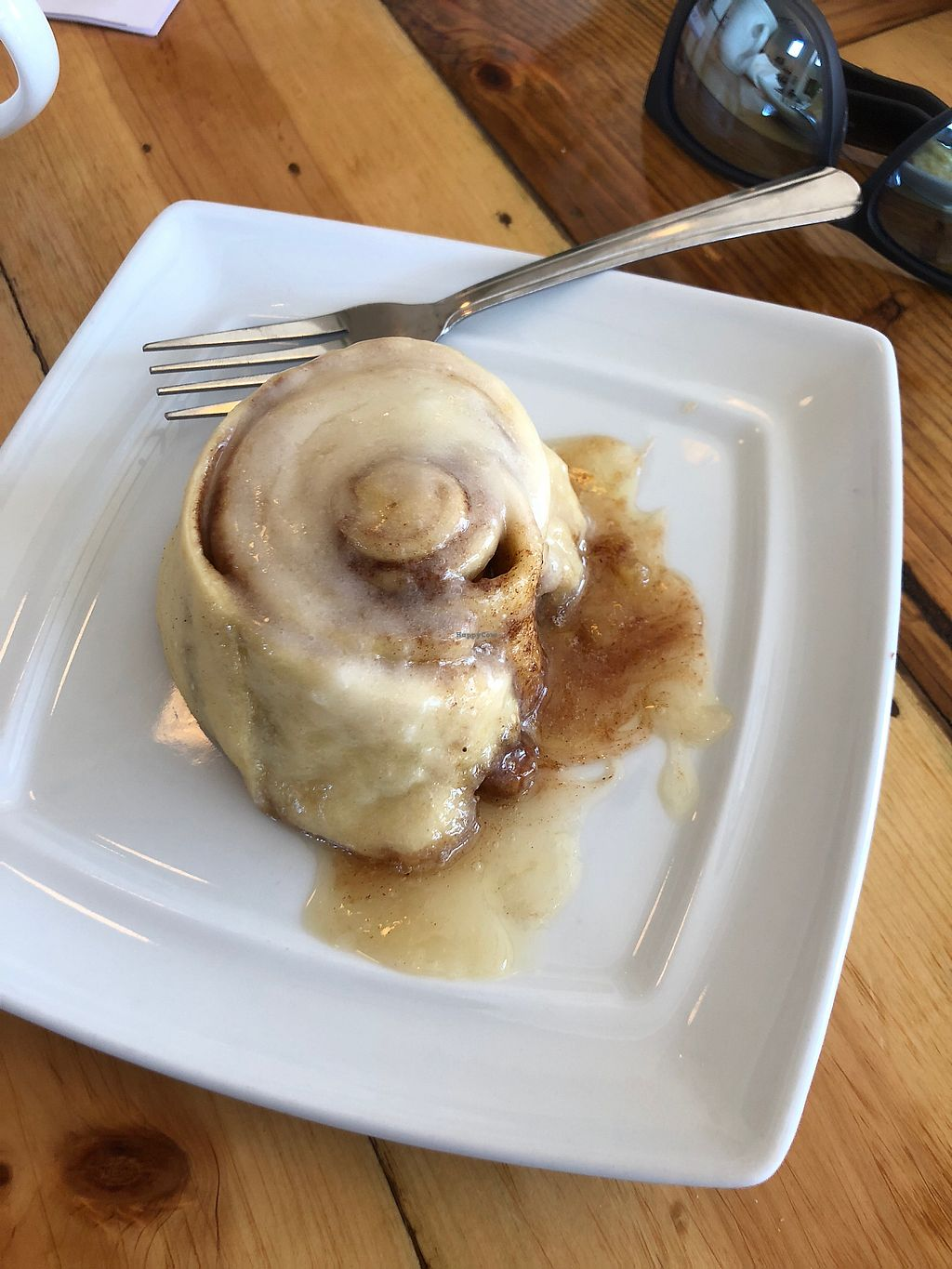 """Photo of Two Dollar Radio Headquarters  by <a href=""""/members/profile/SHA1107"""">SHA1107</a> <br/>Vegan cinnamon roll ? <br/> March 17, 2018  - <a href='/contact/abuse/image/102115/372096'>Report</a>"""