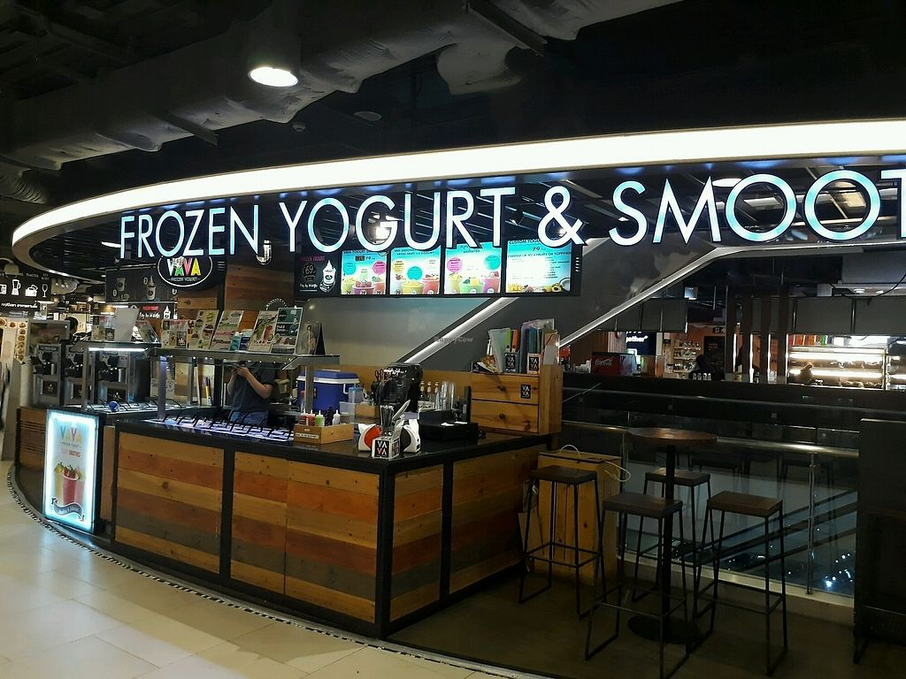 """Photo of VAVA Frozen Yogurt - Maya Mall  by <a href=""""/members/profile/LilacHippy"""">LilacHippy</a> <br/>The stall inside the mall <br/> October 3, 2017  - <a href='/contact/abuse/image/102190/311291'>Report</a>"""