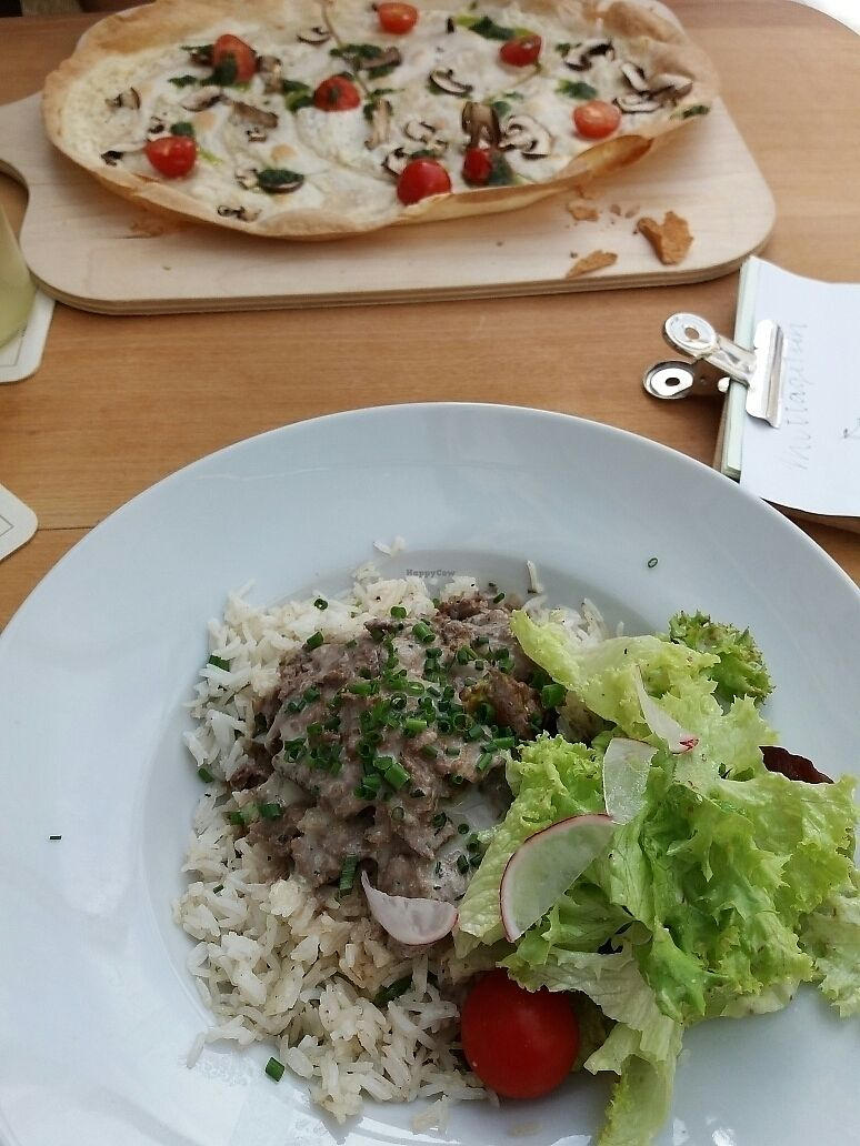 """Photo of Glück & Verstand  by <a href=""""/members/profile/Giniimaus"""">Giniimaus</a> <br/>Mock meat stew with rice and vegan """"Flammkuchen"""" (flatbread)  <br/> October 6, 2017  - <a href='/contact/abuse/image/102197/312318'>Report</a>"""