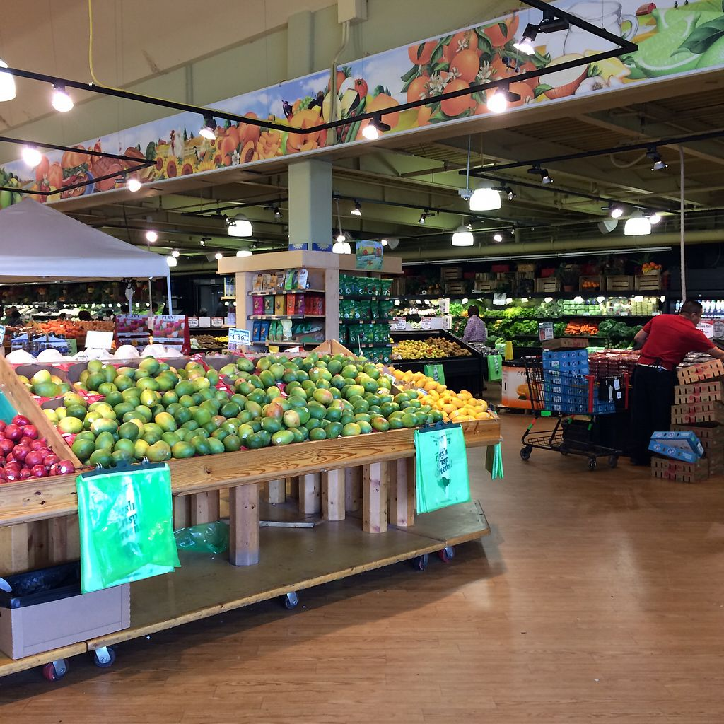 """Photo of Buford Highway Farmers Market  by <a href=""""/members/profile/KatieBush"""">KatieBush</a> <br/>produce <br/> October 4, 2017  - <a href='/contact/abuse/image/102231/311677'>Report</a>"""