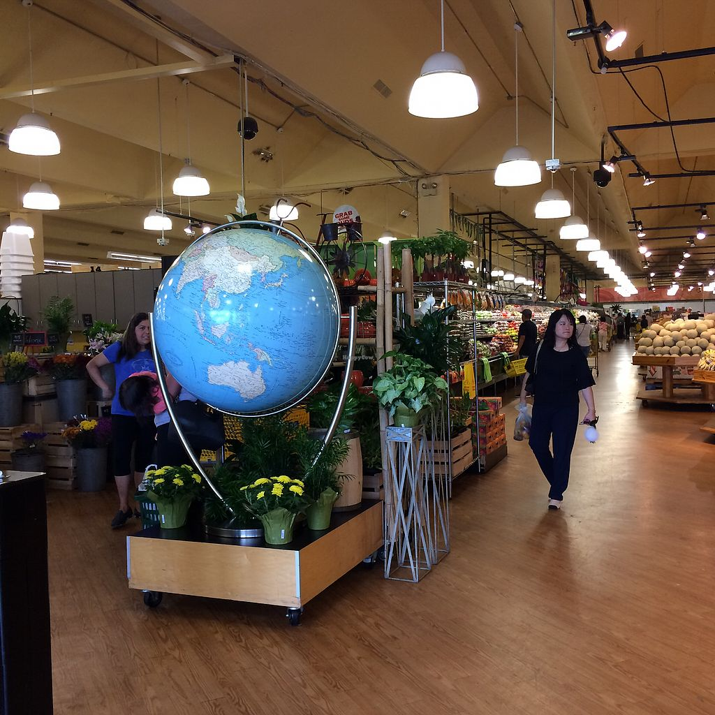 """Photo of Buford Highway Farmers Market  by <a href=""""/members/profile/KatieBush"""">KatieBush</a> <br/>entrance <br/> October 4, 2017  - <a href='/contact/abuse/image/102231/311679'>Report</a>"""