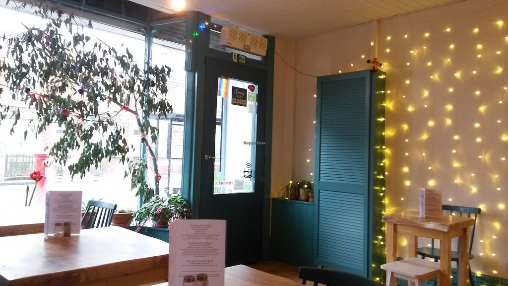 """Photo of Shoe Tree Cafe  by <a href=""""/members/profile/deadpledge"""">deadpledge</a> <br/>Interior <br/> December 28, 2017  - <a href='/contact/abuse/image/102296/340067'>Report</a>"""