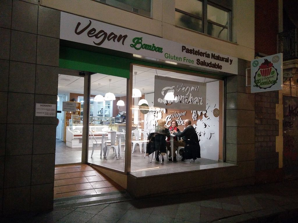 """Photo of Vegan Bombon  by <a href=""""/members/profile/martinicontomate"""">martinicontomate</a> <br/>view from the street <br/> January 27, 2018  - <a href='/contact/abuse/image/102437/351430'>Report</a>"""