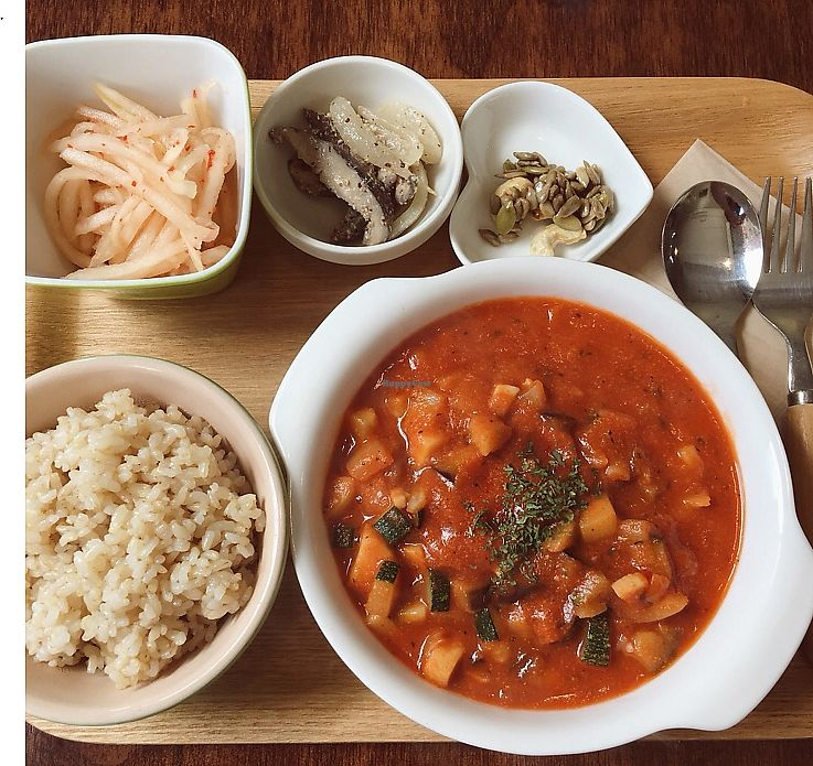 """Photo of Sun - 카페  by <a href=""""/members/profile/veglover89"""">veglover89</a> <br/>Yummy food! <br/> October 20, 2017  - <a href='/contact/abuse/image/102461/316832'>Report</a>"""