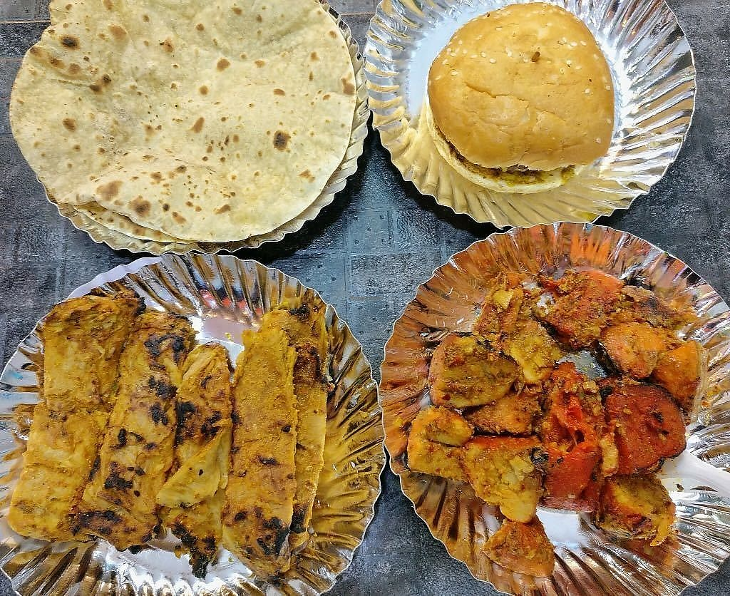 """Photo of Chaap ki Chhap  by <a href=""""/members/profile/ChaapKiChhap"""">ChaapKiChhap</a> <br/>A wholesome platter <br/> December 20, 2017  - <a href='/contact/abuse/image/102549/337421'>Report</a>"""