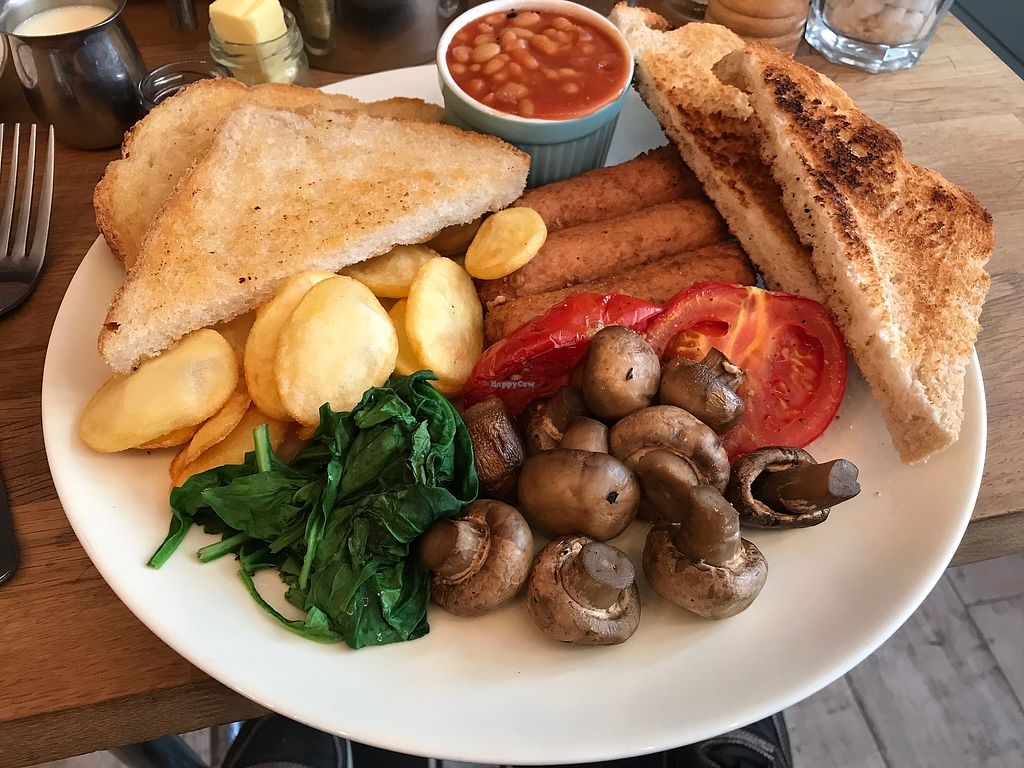 """Photo of 67 London Street  by <a href=""""/members/profile/TheAccessibleVegan"""">TheAccessibleVegan</a> <br/>Vegan full English breakfast  <br/> October 18, 2017  - <a href='/contact/abuse/image/102567/316435'>Report</a>"""