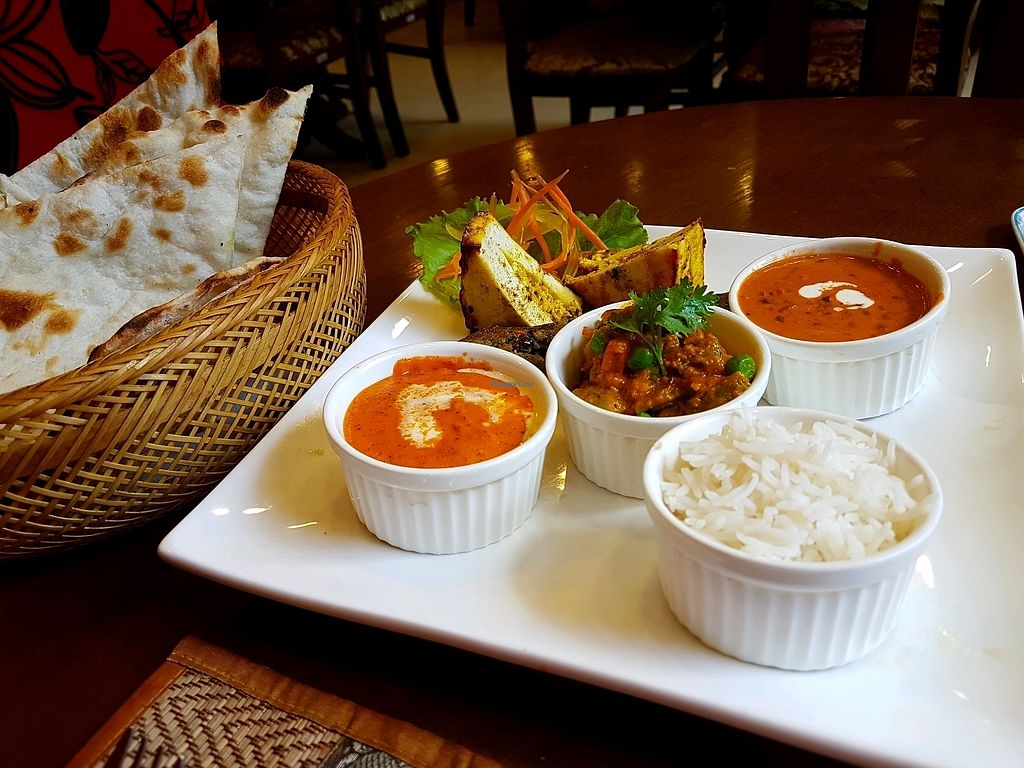 """Photo of Bawarchi  by <a href=""""/members/profile/PeterRichards"""">PeterRichards</a> <br/>amazing veggie super thali <br/> October 13, 2017  - <a href='/contact/abuse/image/102610/314922'>Report</a>"""