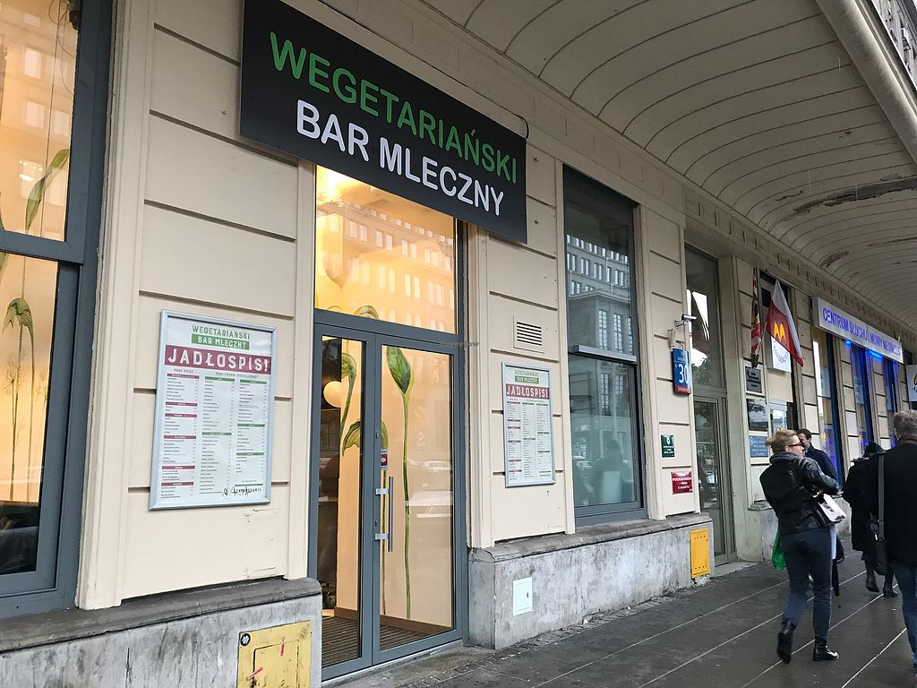 "Photo of Wegetarianski Bar Mleczny  by <a href=""/members/profile/Saircle"">Saircle</a> <br/>Wegetariański Bar Mleczny from the street <br/> October 12, 2017  - <a href='/contact/abuse/image/102644/314399'>Report</a>"