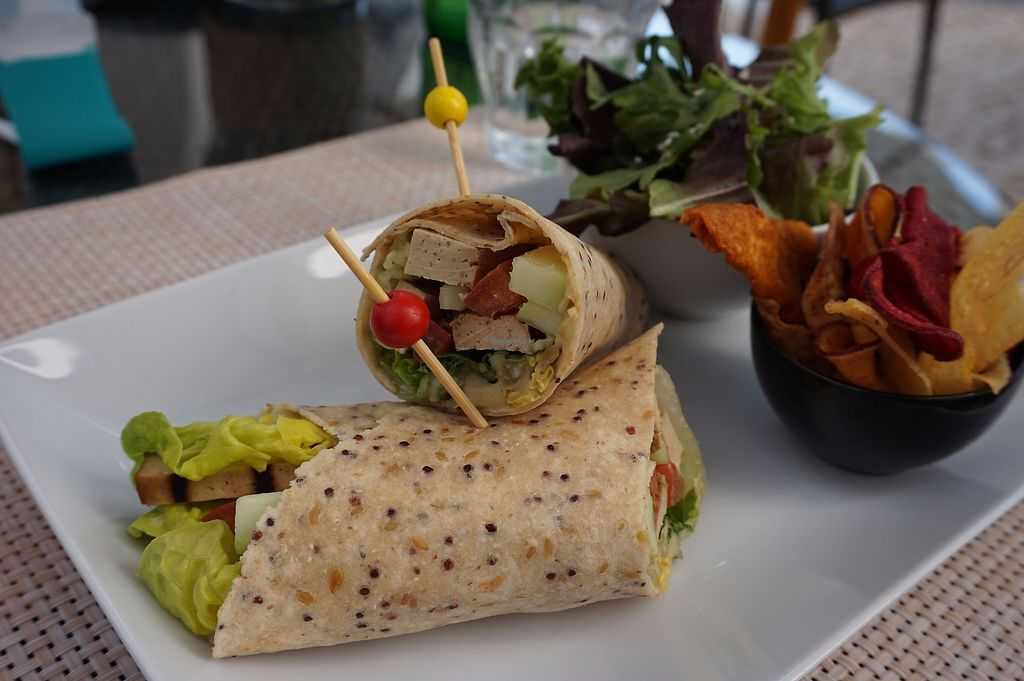 """Photo of Zest  by <a href=""""/members/profile/angdep"""">angdep</a> <br/>Grilled Tofu Wrap (Tofu Grelhado) <br/> October 11, 2017  - <a href='/contact/abuse/image/102690/314236'>Report</a>"""