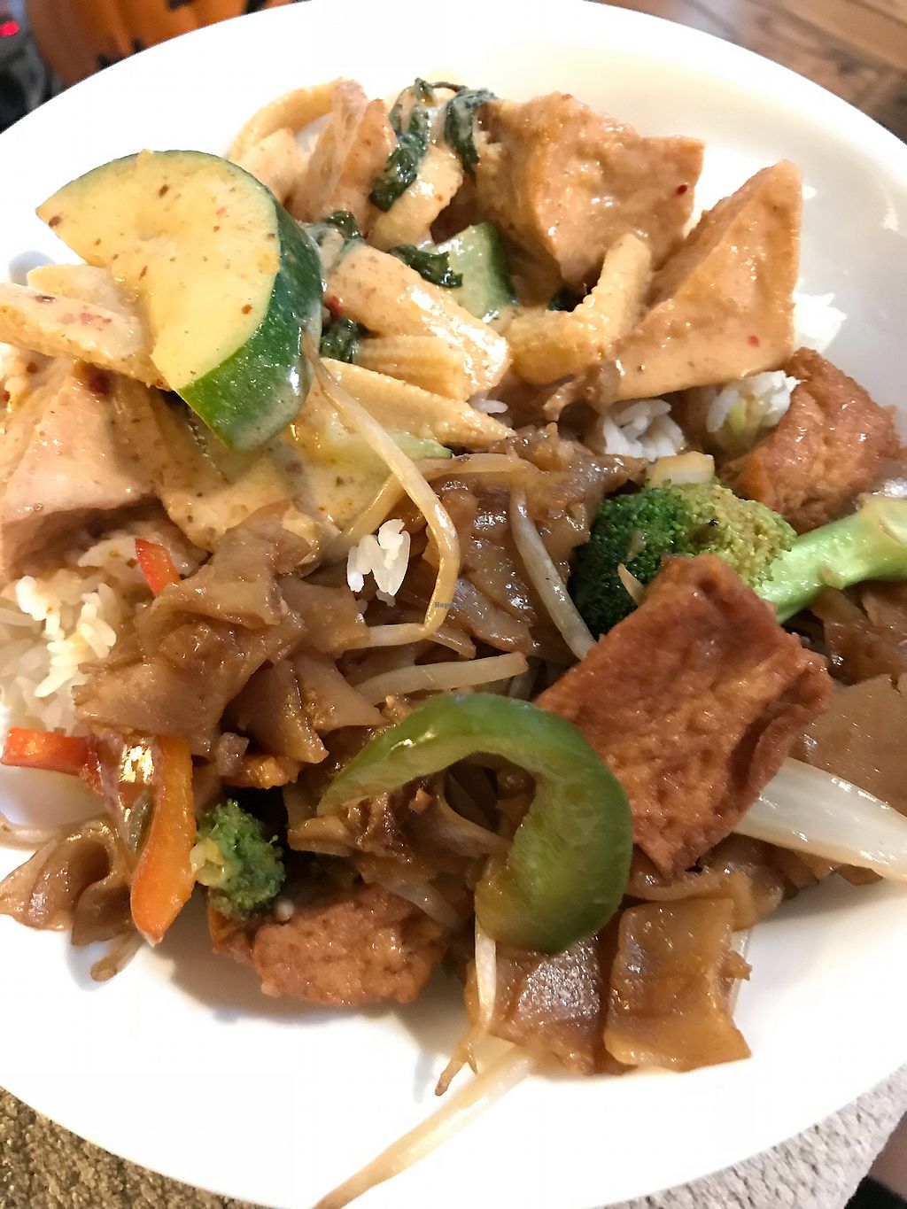 """Photo of Thai Spoon 2  by <a href=""""/members/profile/SoWo1999"""">SoWo1999</a> <br/>Curry and Drunken Noodles with tofu <br/> October 22, 2017  - <a href='/contact/abuse/image/102706/317773'>Report</a>"""