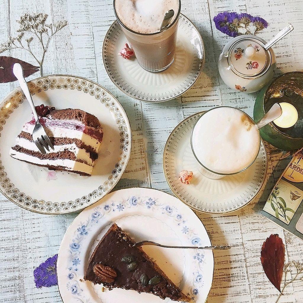 """Photo of Honigbiene Bistro, Cafe & Hofladen  by <a href=""""/members/profile/DeborahBertram"""">DeborahBertram</a> <br/>Coffeetime <br/> December 5, 2017  - <a href='/contact/abuse/image/102722/332358'>Report</a>"""
