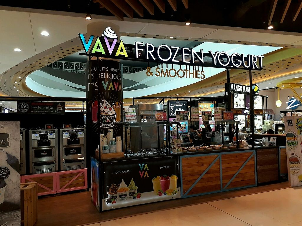 """Photo of VAVA Frozen Yogurt - Central Festival  by <a href=""""/members/profile/LilacHippy"""">LilacHippy</a> <br/>The Shop <br/> October 12, 2017  - <a href='/contact/abuse/image/102723/314379'>Report</a>"""