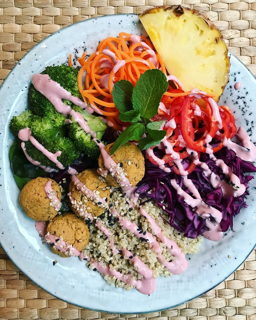 """Photo of Ra och sa  by <a href=""""/members/profile/raochsa"""">raochsa</a> <br/>FalafelBowl with pink tahinidressing and pickled red cabbage  <br/> January 31, 2018  - <a href='/contact/abuse/image/102750/353155'>Report</a>"""