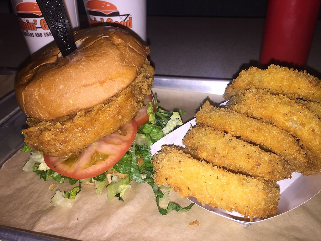 "Photo of Flippin' Good  by <a href=""/members/profile/theresabee"">theresabee</a> <br/>Chick with onion rings <br/> November 20, 2017  - <a href='/contact/abuse/image/103114/327412'>Report</a>"
