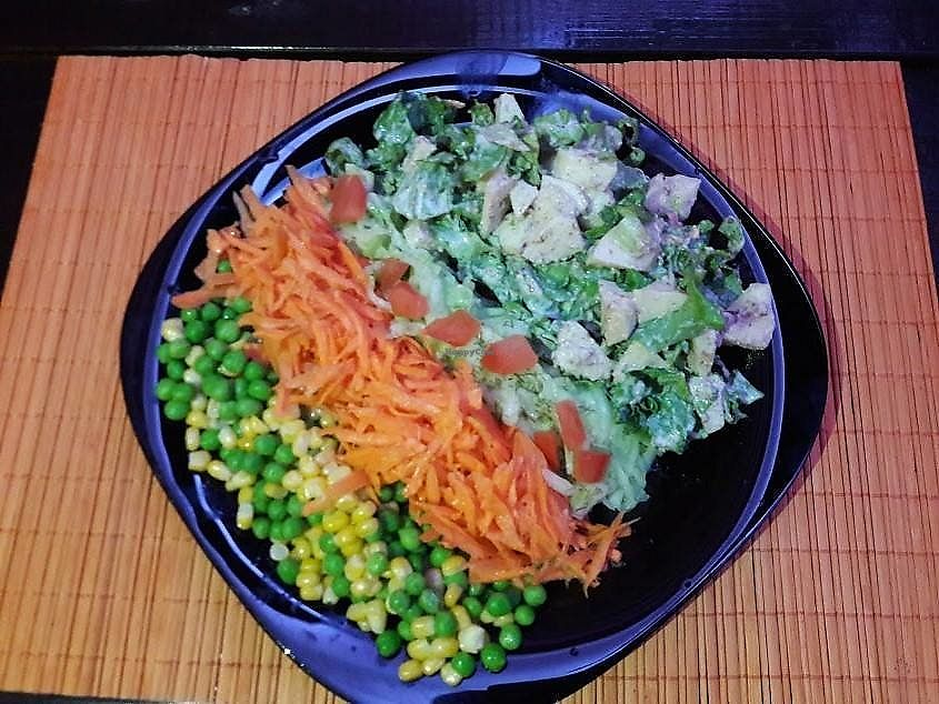 "Photo of Veggie Bar Aura  by <a href=""/members/profile/Nefelibata"">Nefelibata</a> <br/>Spectar Salad <br/> October 21, 2017  - <a href='/contact/abuse/image/103218/317327'>Report</a>"
