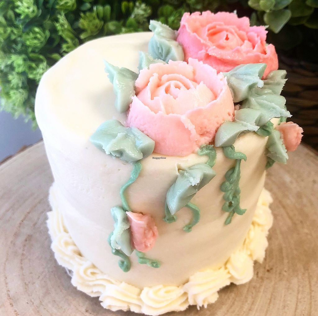 """Photo of HaleLife Bakery  by <a href=""""/members/profile/GlutenAway"""">GlutenAway</a> <br/>Special Occasion 4""""  Cake <br/> February 24, 2018  - <a href='/contact/abuse/image/103306/363138'>Report</a>"""