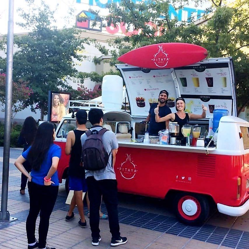 """Photo of Pitaya Bowls Food Truck  by <a href=""""/members/profile/annalise_sayles"""">annalise_sayles</a> <br/>Our VW Kombi Food Truck at the Mall Plaza Sur serving smoothies, acaí bowls, and more!  <br/> November 29, 2017  - <a href='/contact/abuse/image/103390/330298'>Report</a>"""