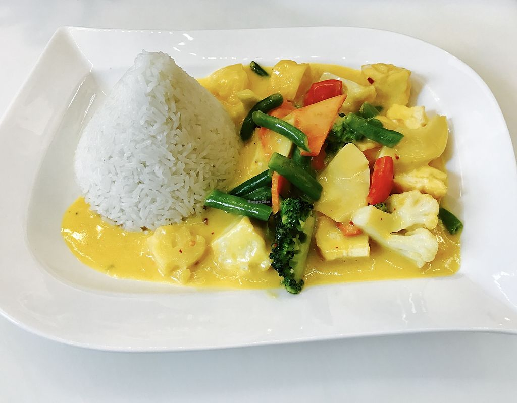 """Photo of Phuong Hong Asia Bistro  by <a href=""""/members/profile/Minnywowow"""">Minnywowow</a> <br/>Tofu and vegetable in Mango sauce with Rice.  <br/> October 23, 2017  - <a href='/contact/abuse/image/103481/318175'>Report</a>"""