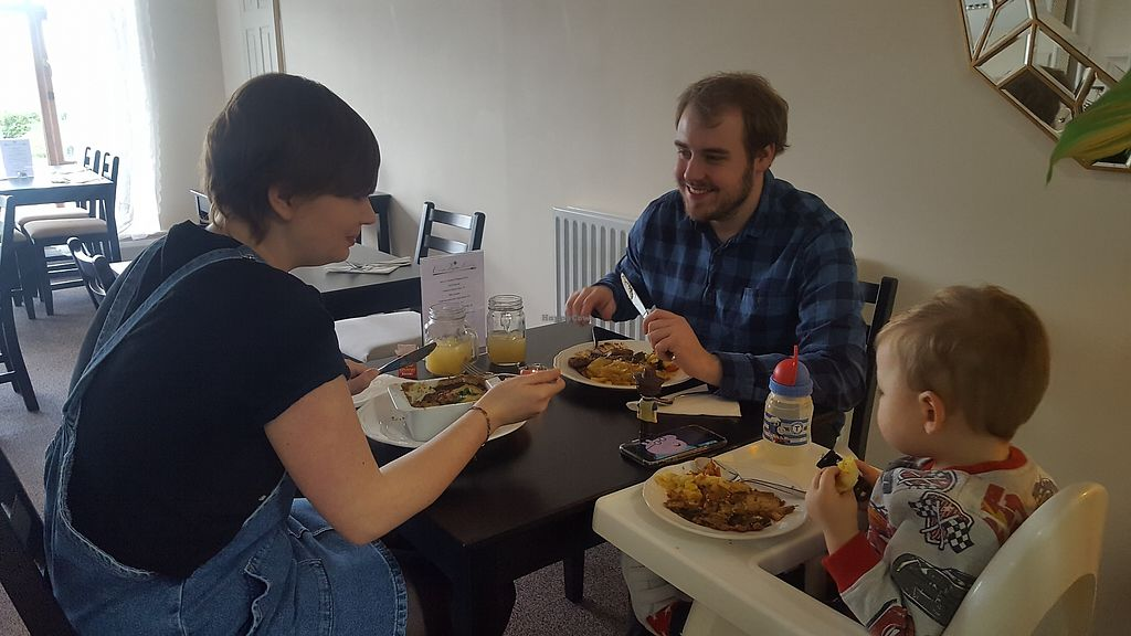 """Photo of Clean Vegan Kitchen  by <a href=""""/members/profile/Trisha123"""">Trisha123</a> <br/>Family vegan Sunday roast  <br/> February 4, 2018  - <a href='/contact/abuse/image/103501/354988'>Report</a>"""