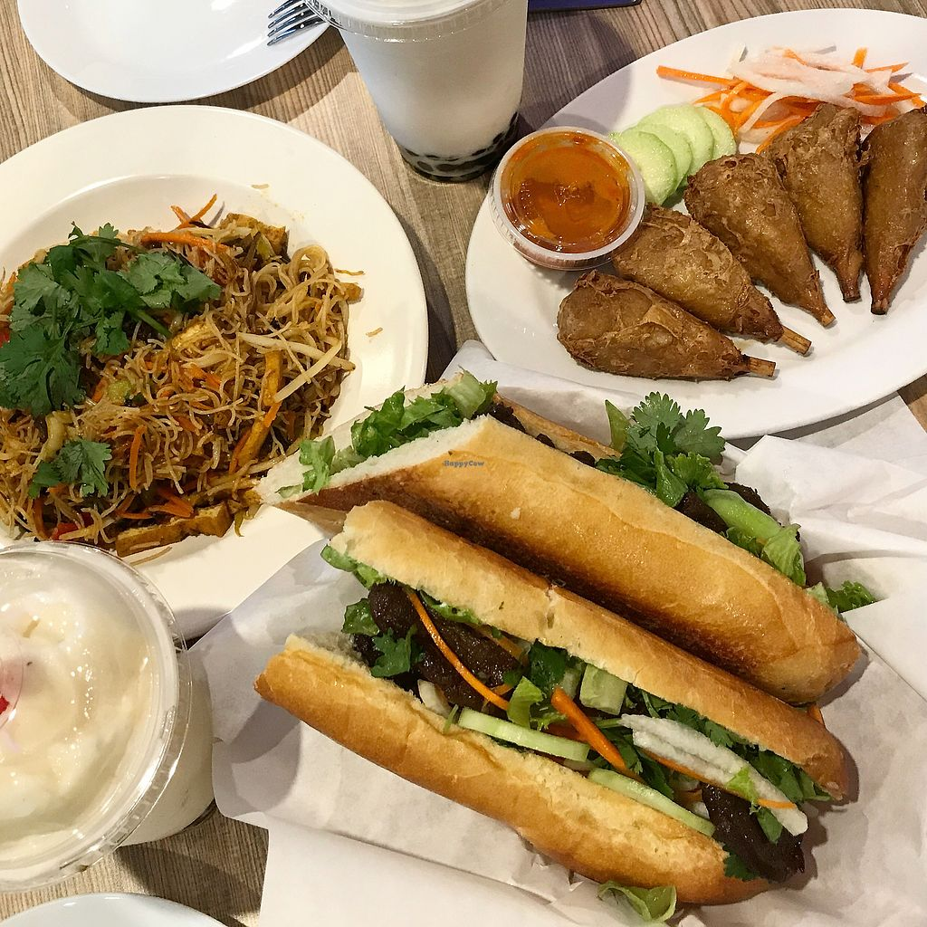 "Photo of VeggiEAT Xpress  by <a href=""/members/profile/JSanchez487"">JSanchez487</a> <br/>Veggie beef sandwich, veggie buffalo wings, Singapore noodles & boba drinks  <br/> November 10, 2017  - <a href='/contact/abuse/image/103584/324033'>Report</a>"
