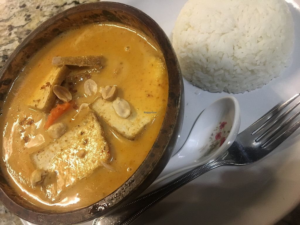 "Photo of Prik Nam Pla Thai Cuisine  by <a href=""/members/profile/Traveling.Plant_Eater"">Traveling.Plant_Eater</a> <br/>Massamun Curry with Tofu, one of the best I have ever had <br/> December 3, 2017  - <a href='/contact/abuse/image/103707/331655'>Report</a>"