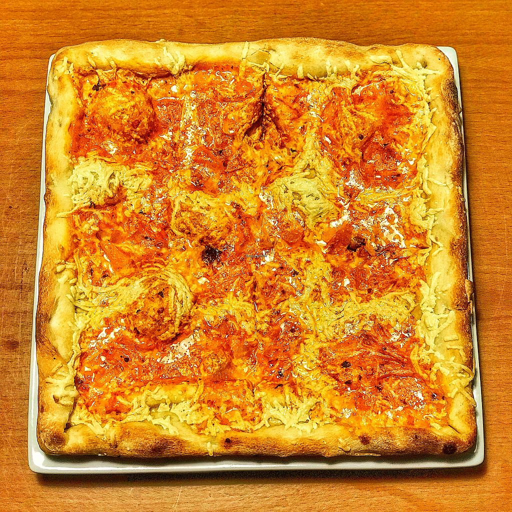 """Photo of Frankie's East Side Pizza  by <a href=""""/members/profile/JcTreacy"""">JcTreacy</a> <br/>Drunken Grandma Pizza VEGAN <br/> October 31, 2017  - <a href='/contact/abuse/image/103775/320327'>Report</a>"""