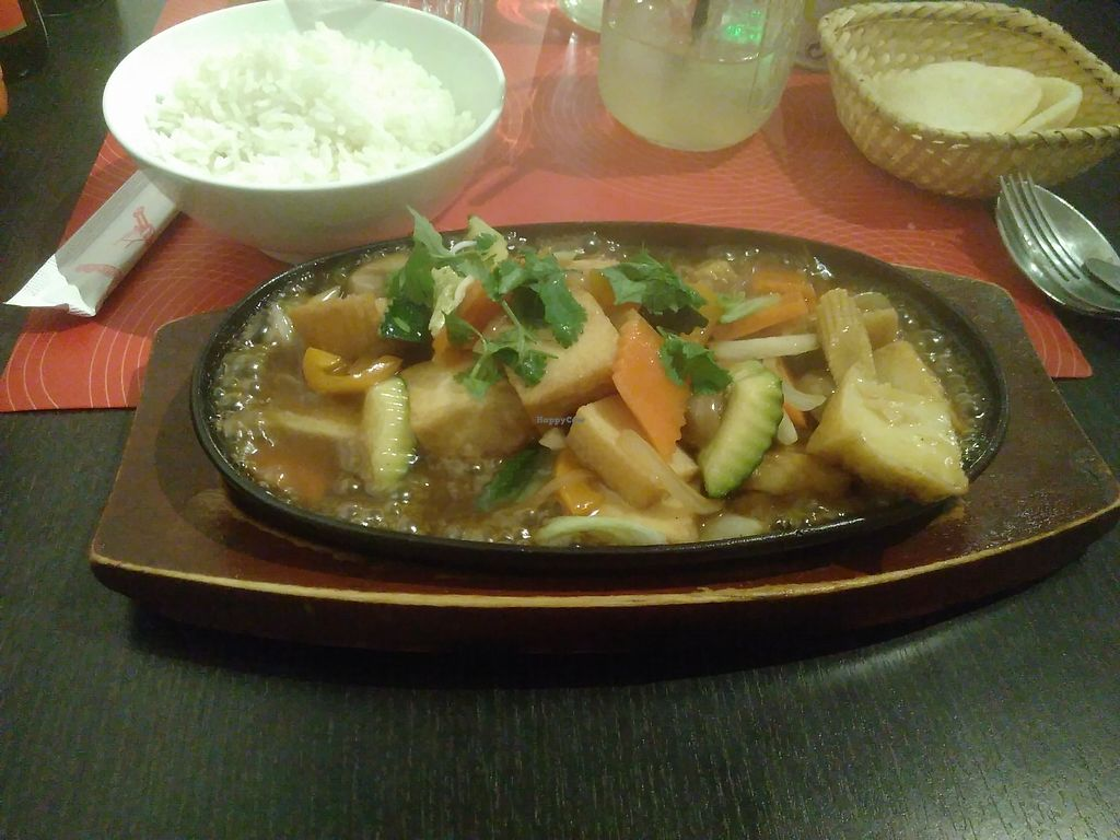 "Photo of L'Usyne  by <a href=""/members/profile/Claude%20Martin"">Claude Martin</a> <br/>Tofu, veggies and rice on a hot plate <br/> October 28, 2017  - <a href='/contact/abuse/image/103874/319640'>Report</a>"