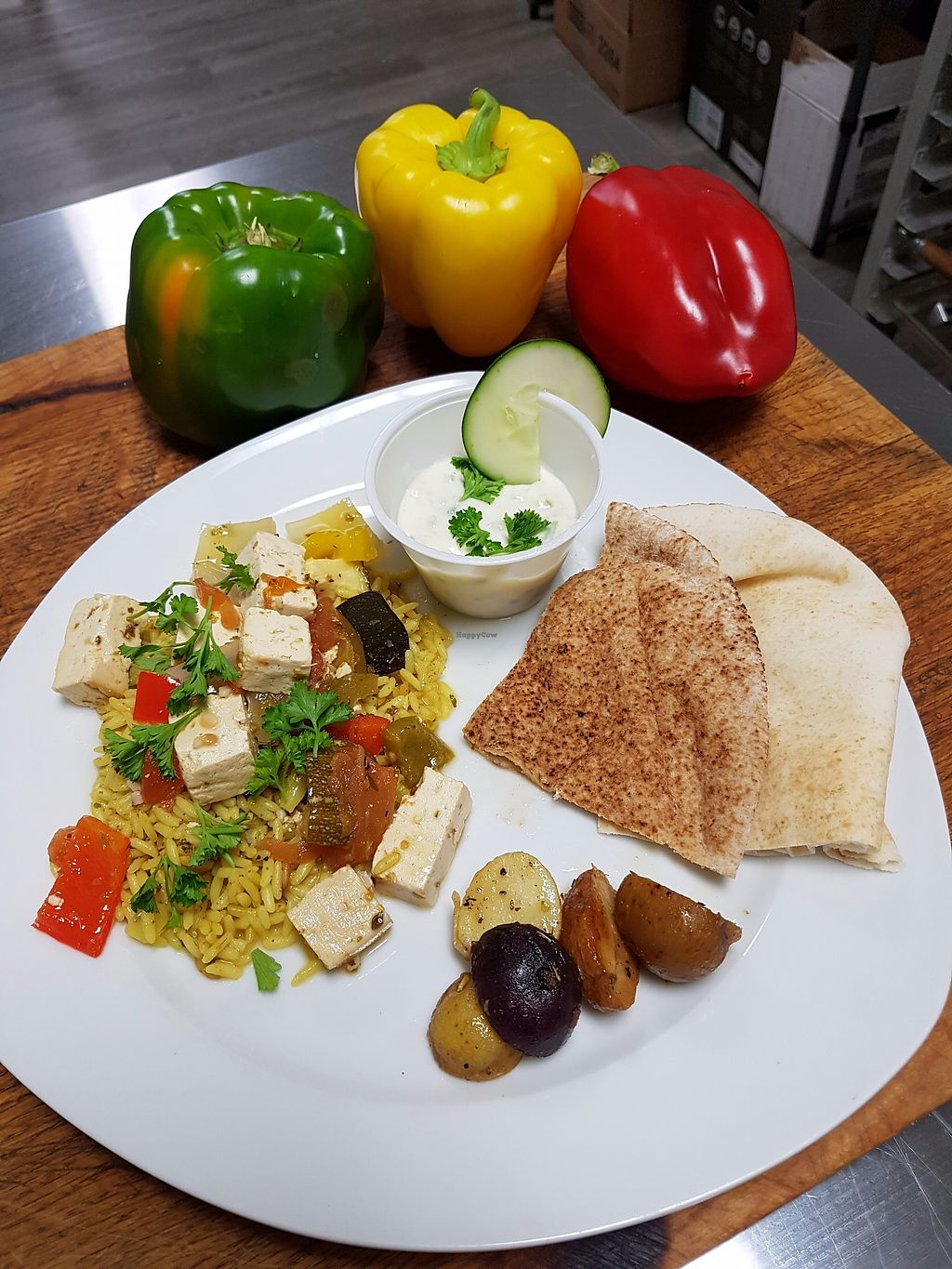 "Photo of Mon Petit Coin Vegane MB  by <a href=""/members/profile/ManonBeaudry"">ManonBeaudry</a> <br/>Tofu souvlaki sur riz au curry,