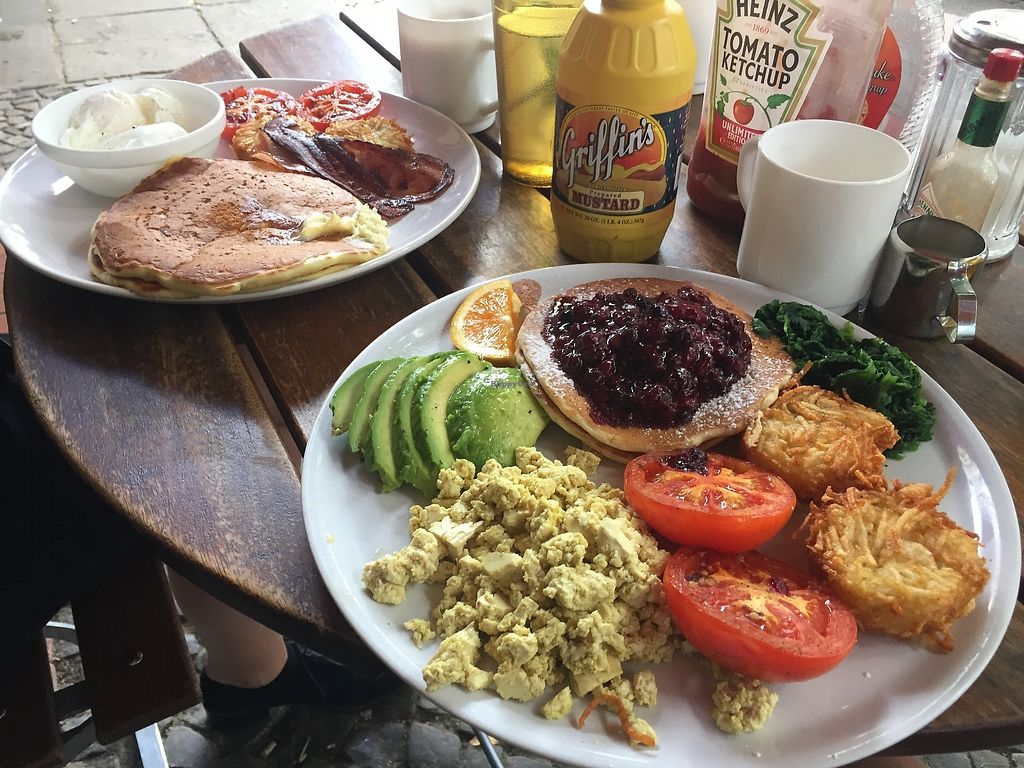 """Photo of Nalu Diner  by <a href=""""/members/profile/Yasminesan"""">Yasminesan</a> <br/>Vegan breakfast plate with pancakes and hash browns (foreground) - omni plate in background <br/> October 29, 2017  - <a href='/contact/abuse/image/103903/319946'>Report</a>"""