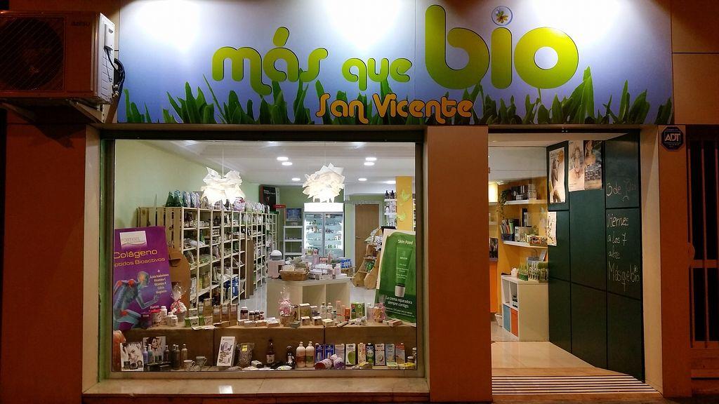 """Photo of Mas que Bio San Vicente  by <a href=""""/members/profile/MariaJoseMu%C3%B1ozGomez"""">MariaJoseMuñozGomez</a> <br/>tienda ecológica, alimentación, cosmética, limpieza, vegana y vegetariana.  <br/> October 31, 2017  - <a href='/contact/abuse/image/103922/320346'>Report</a>"""