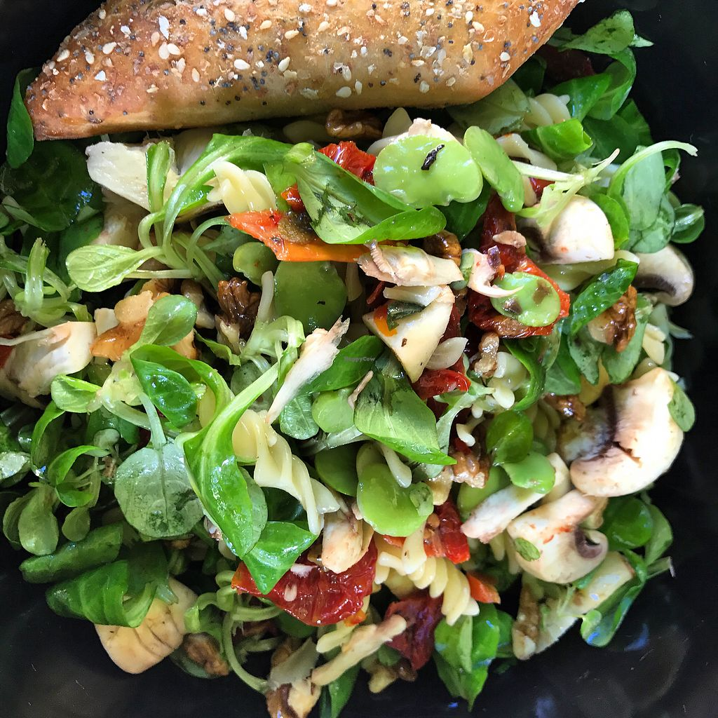 """Photo of O Naturelle  by <a href=""""/members/profile/CristinaStratulat"""">CristinaStratulat</a> <br/>Self made salad <br/> October 30, 2017  - <a href='/contact/abuse/image/103984/320234'>Report</a>"""