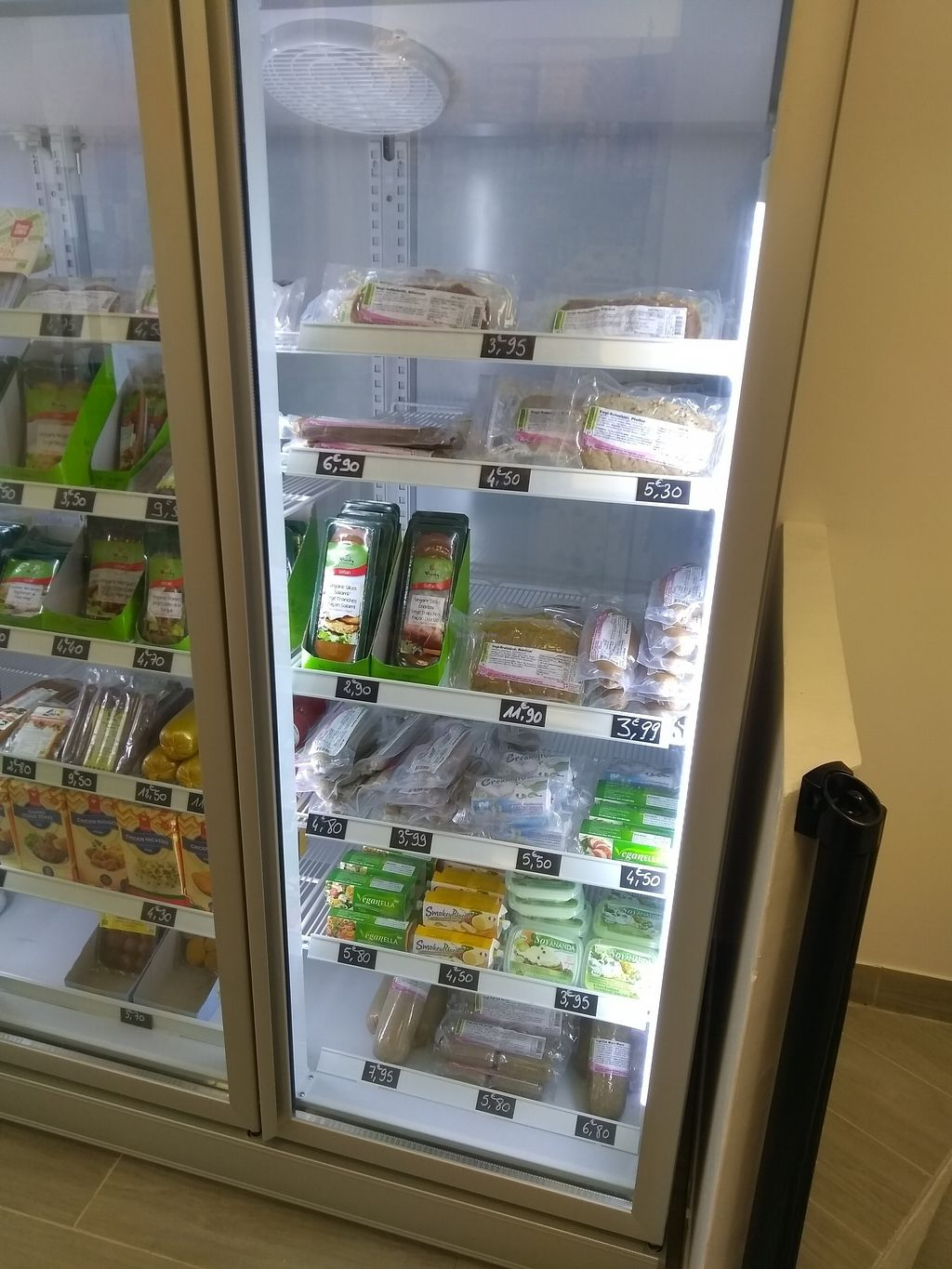 """Photo of 2VShop  by <a href=""""/members/profile/thenaturalfusions"""">thenaturalfusions</a> <br/>Vegan cheezes <br/> November 13, 2017  - <a href='/contact/abuse/image/104079/325116'>Report</a>"""