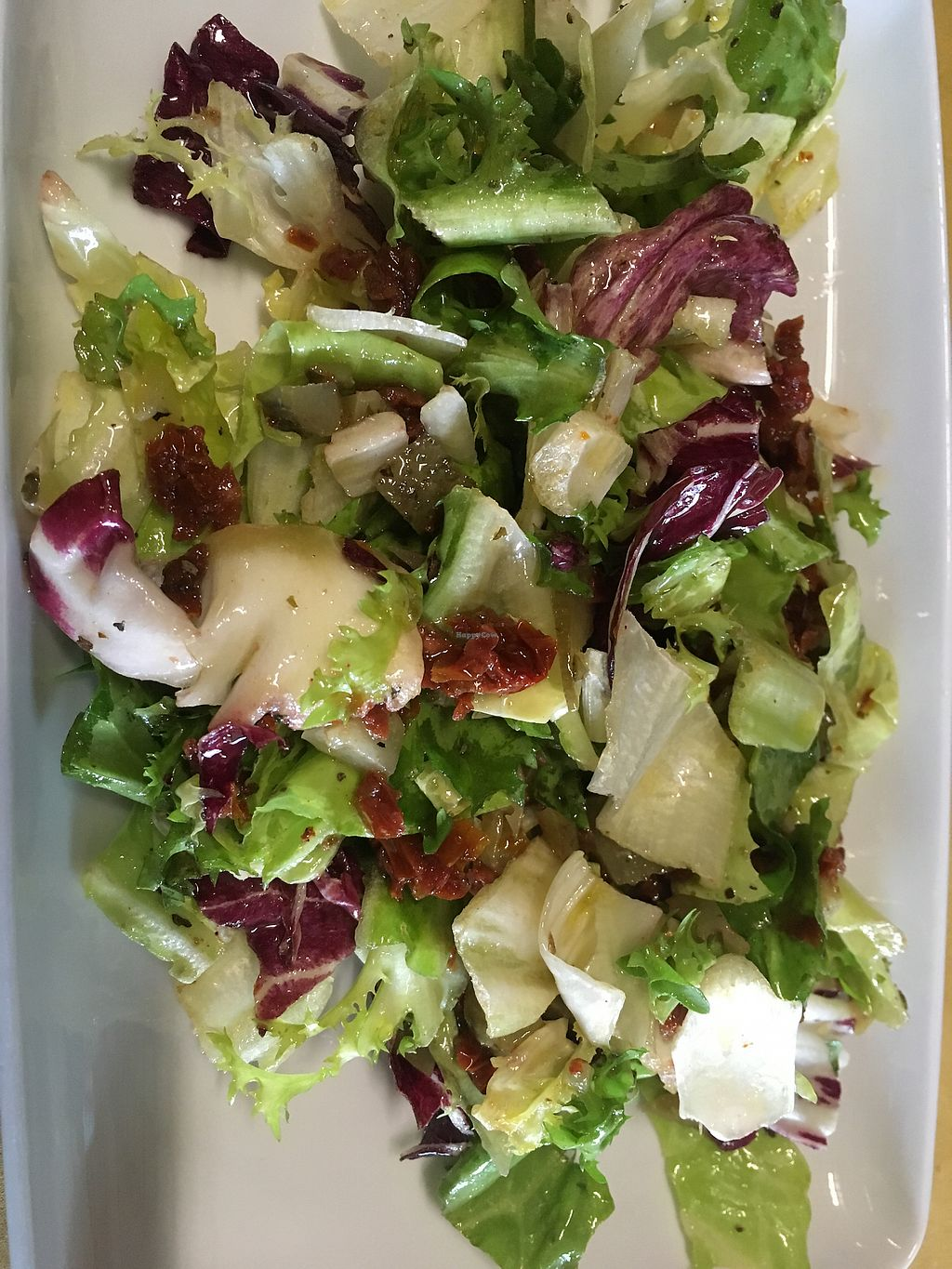 "Photo of Al Mangiar Sano  by <a href=""/members/profile/hokusai77"">hokusai77</a> <br/>Mixed salad with sundries tomatoes <br/> November 2, 2017  - <a href='/contact/abuse/image/104121/321121'>Report</a>"