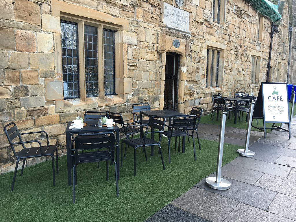 """Photo of Cafe on the Green  by <a href=""""/members/profile/hack_man"""">hack_man</a> <br/>Outside seating <br/> December 22, 2017  - <a href='/contact/abuse/image/104146/338051'>Report</a>"""