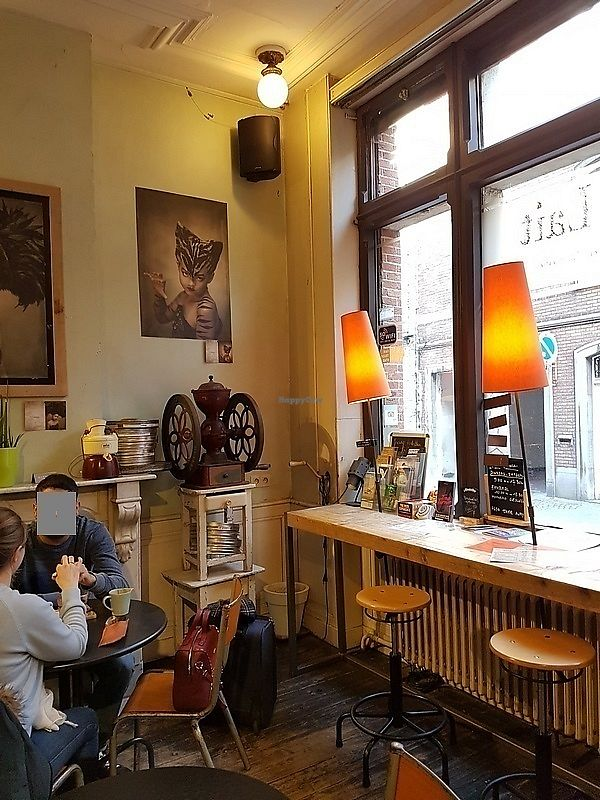 """Photo of Li O Lait  by <a href=""""/members/profile/TrudiBruges"""">TrudiBruges</a> <br/>interior, front of Li O Lait <br/> February 24, 2018  - <a href='/contact/abuse/image/104365/363096'>Report</a>"""