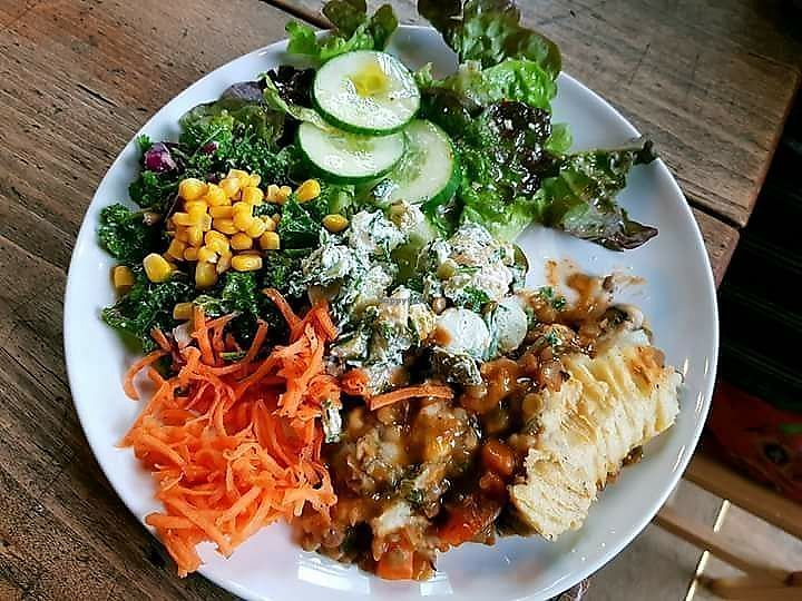 """Photo of World Peace Cafe  by <a href=""""/members/profile/PaulHarrison"""">PaulHarrison</a> <br/>a lovely vegan meal :) <br/> November 8, 2017  - <a href='/contact/abuse/image/104370/323298'>Report</a>"""