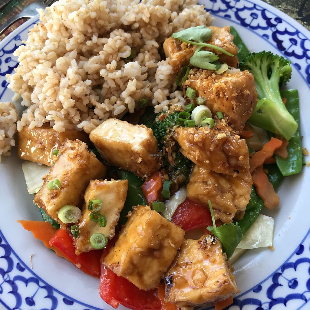 "Photo of Bangkok Thai Cuisine  by <a href=""/members/profile/Sarah%20P"">Sarah P</a> <br/>Garlic vegetables with tofu and brown rice <br/> November 11, 2017  - <a href='/contact/abuse/image/104388/324398'>Report</a>"
