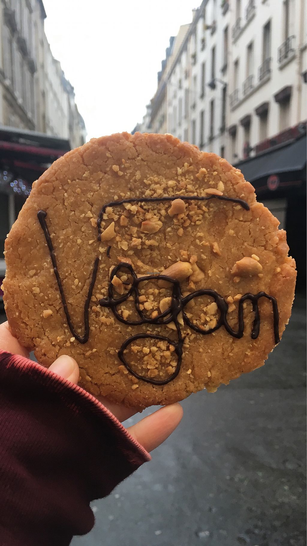 "Photo of Jo and Nana Cakes  by <a href=""/members/profile/AyelenS"">AyelenS</a> <br/>Take away cookie in Paris  <br/> December 4, 2017  - <a href='/contact/abuse/image/104440/332244'>Report</a>"