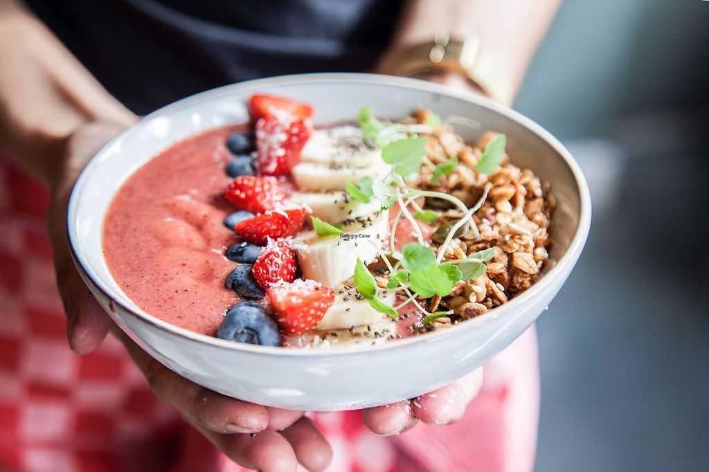 """Photo of Kek  by <a href=""""/members/profile/LeonieHulselmans"""">LeonieHulselmans</a> <br/>Wholesome vegan smoothiebowl <br/> November 7, 2017  - <a href='/contact/abuse/image/104443/322874'>Report</a>"""
