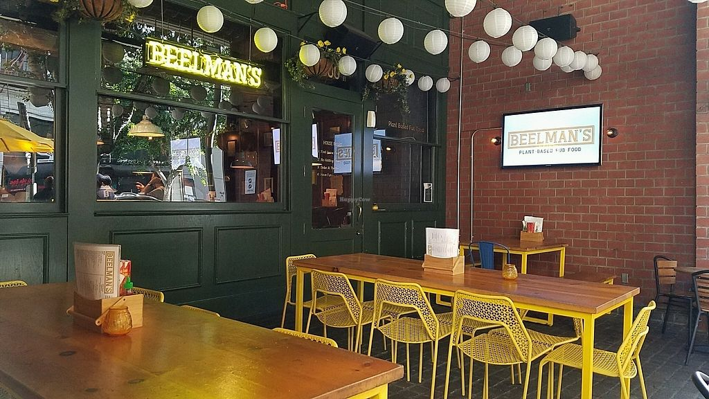 """Photo of Beelman's  by <a href=""""/members/profile/eric"""">eric</a> <br/>patio seating <br/> November 18, 2017  - <a href='/contact/abuse/image/104517/326823'>Report</a>"""