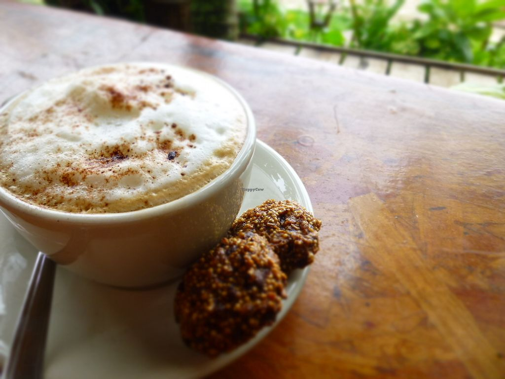 """Photo of Maracuya  by <a href=""""/members/profile/camilasamara"""">camilasamara</a> <br/>delicious capuchino with spices!!! So happy they have a variaty of milks like almond or soy. Made my day!!! <br/> March 10, 2018  - <a href='/contact/abuse/image/104621/369010'>Report</a>"""